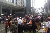 Menkeu Sayangkan Insiden Ambrolnya Balkon Bursa Efek Indonesia