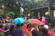 Hujan Tak Menyurutkan Semangat Warga Datang ke Festival Bongsang