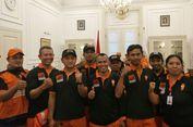 Kisah Pasukan Oranye Jual Stiker demi Membantu Korban Gempa Sulawesi Tengah...