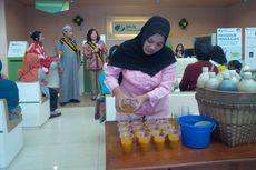 Peringati Hari Pelanggan, Peserta BPJS Dapat Minuman Jamu Gendong