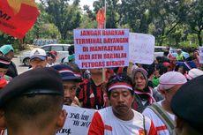 Protes Penutupan Terminal Tipe B, PKL hingga Sopir Bus Demo di Balai Kota