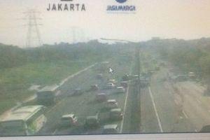 'One Way' Diberlakukan di Ruas Cikampek Arah Jakarta Pukul 15.00