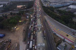 Masyarakat Diimbau Hindari Tol Jakarta-Cikampek Pukul 22.00-05.00 WIB