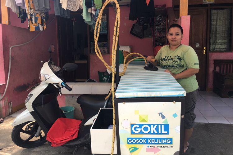 Gosok keliling di Kota Bekasi milik Adel Herawati (32) saat ditemui di kediamannya daerah Pekayon, Kota Bekasi, Jumat (21/7/2017).