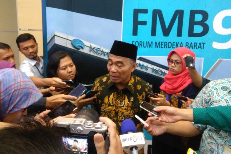 Menteri Pendidikan dan Kebudayaan (Mendikbud) Muhadjir Effendy dalam diskusi publik bertajuk Pemerataan Pendidikan di Indonesia, Jakarta, Rabu (30/8/2017).