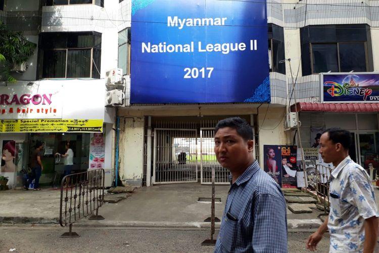 Suasana di Stadion Padonmar, Yangon, Minggu (10/9/2017).