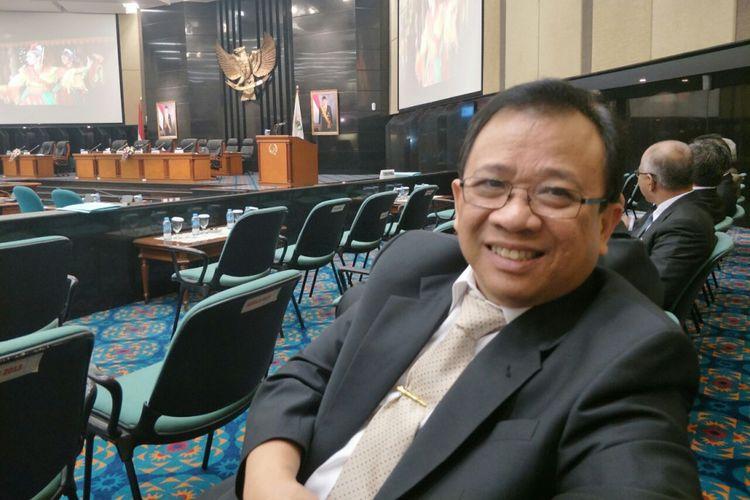 Kepala Dinas Perumahan Rakyat dan Kawasan Permukiman DKI Jakarta Agustino Darmawan di Gedung DPRD DKI Jakarta, Kamis (30/11/2017).