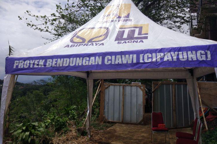 Pembangunan Bendungan Ciawi, di Kabupaten Bogor, Jumat (15/12/2017).