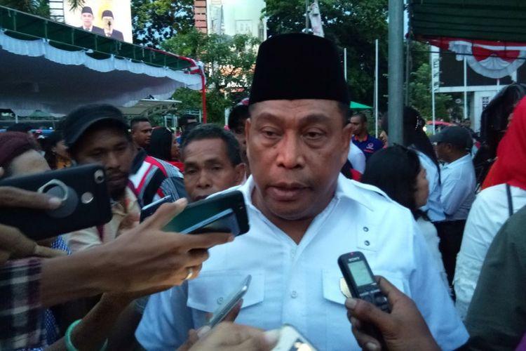 Irjen Pol Murad Ismail saat memberikan keterangan kepada waratwan di Ambon, Kamis (21/12/2017).
