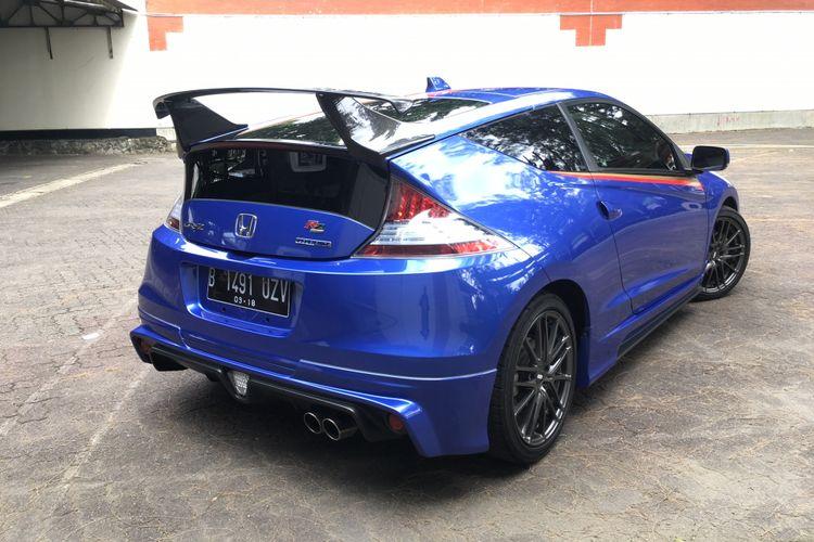 Beberapa panel Honda CR-Z Mugen menggunakan material serat karbon