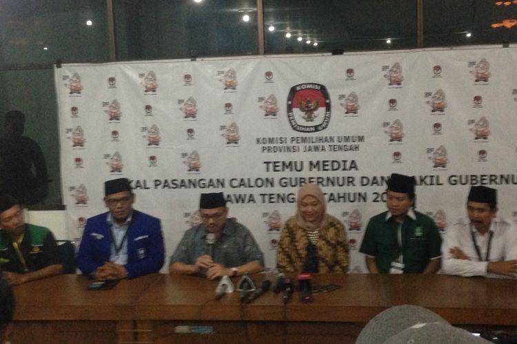 Sudirman Said dan Ida Fauziyah menggelar presconference seusai pendafatran di KPU Jawa Tengah, Rabu (10/1/2018) malam.