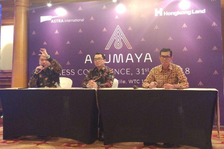 Head of Residential Development PT Brahmayasa Bahtera Wibowo Muljono, Proxy Director Theodore Chuang, Proxy Director Panji Nurfirman saat peluncuran Arumaya di Jakarta, Rabu (31/1/2018).