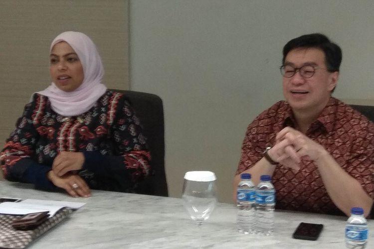 Direktur Utama BTPN Jerry Ng dan Direktur Kepatuhan BTPN Anika Faisal