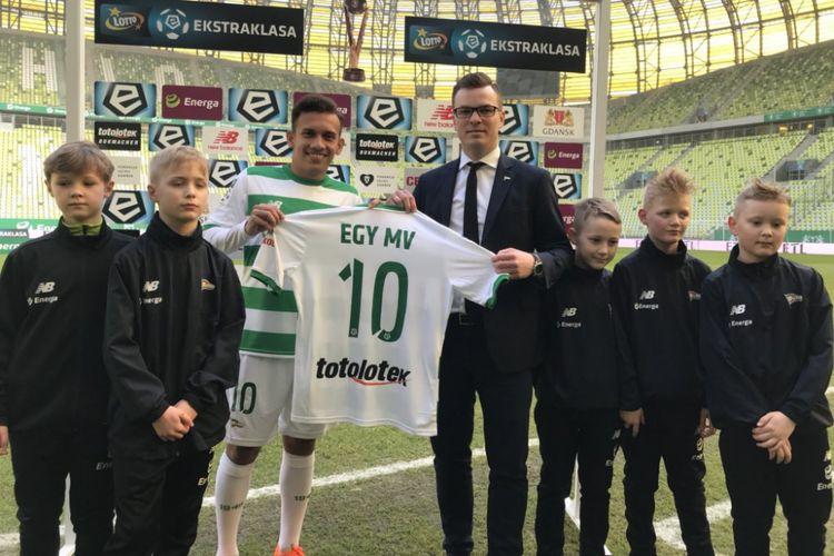 Egy Maulana Vikri diperkenalkan sebagai pemain baru klub Polandia, Lechia Gdansk, Minggu (11/3/2018).