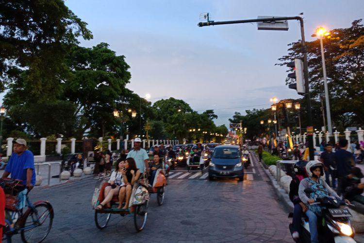 Sore hari di Jalan Malioboro yang melegenda, Sabtu (12/3/2018).