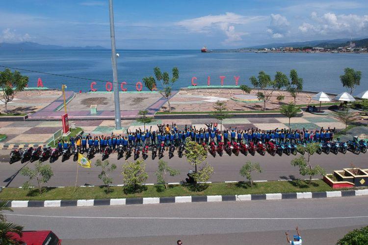 Komunitas Suzuki GSX 150 (GSX Club Indonesia chapter Kendari dan GSX Community) yang menyusuri rute Kendari?Kolaka.