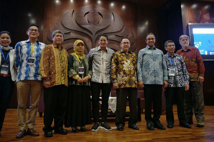 Gubernur DKI Jakarta Anies Baswedan dan Wakil Gubernur Sandiaga Uno datang ke kegiatan 7th South East Asian Studies Symposium 2018 di Balai Sidang Universitas Indonesia, Sabtu (24/3/2018)