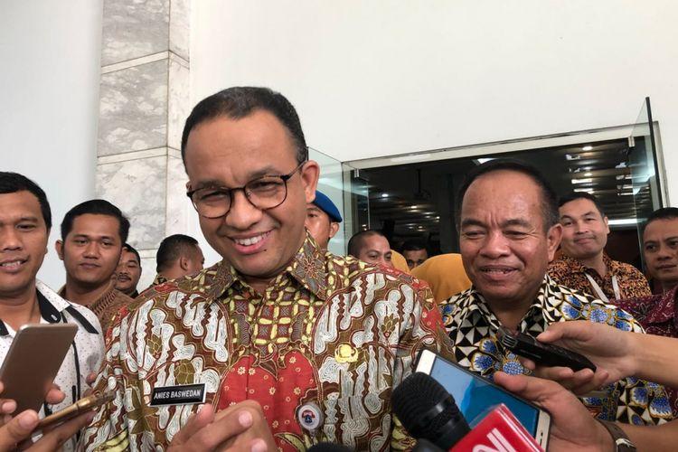 Gubernur DKI Jakarta Anies Baswedan dan Wali Kota Jakarta Timur Bambang Musyawardana di Kantor Wali Kota Jakarta Timur, Kamis (5/4/2018).
