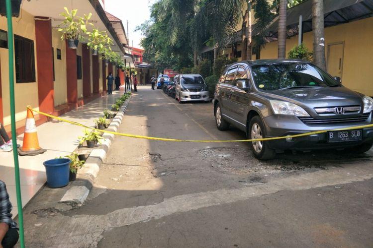 Ruang jenazah RS Polri Kramat Jati dijaga ketat, Rabu (9/5/2018).