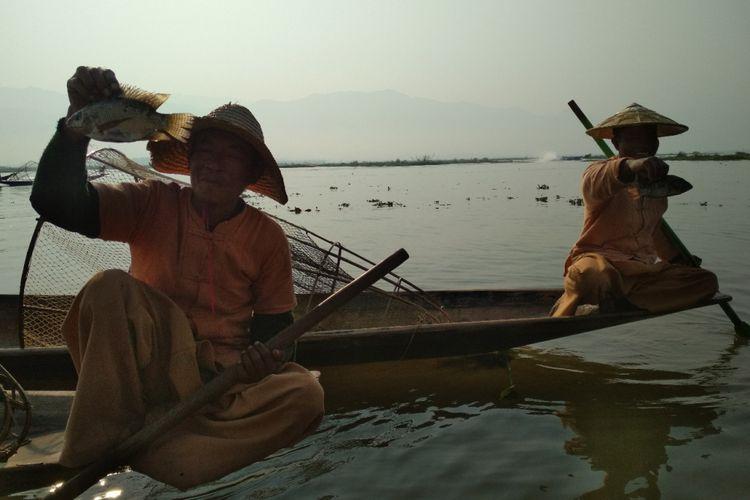 BERITA FOTO: Myanmar dalam Jepretan Kamera