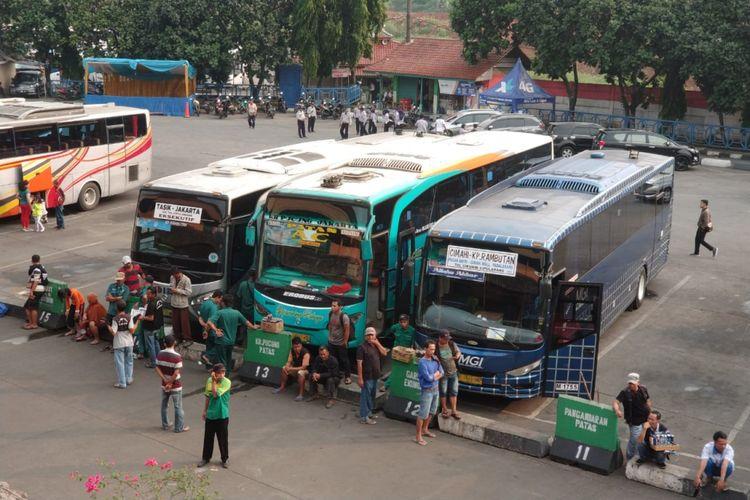 Armada Mudik Lebaran bus AKAP di Terminal Kampung Rambutan, Jakarta Timur, Selasa (5/6/2018)