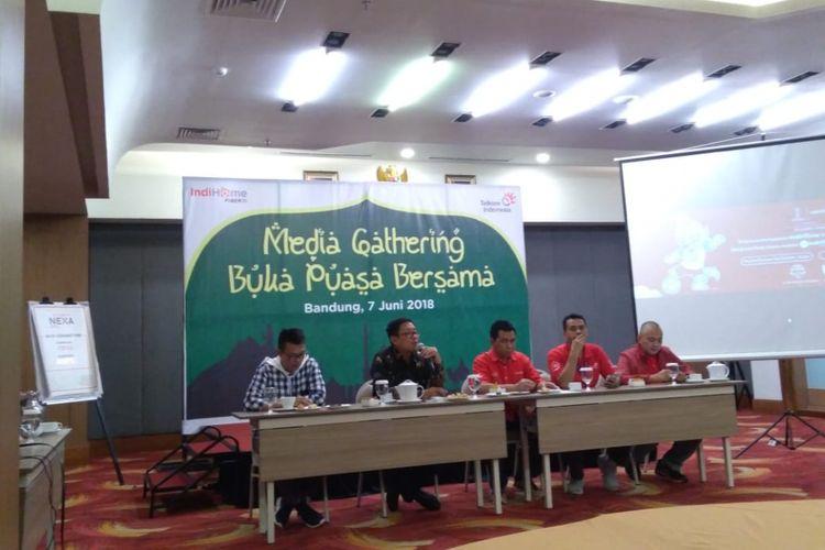 Telkom memastikan kelancaran jaringan yang mendukung pelayanan closed circuit television (CCTV) yang dioperasikan Kementerian Perhubungan dan Polri di jalur mudik dan balik Lebaran. Terutama, di lintas Jawa.