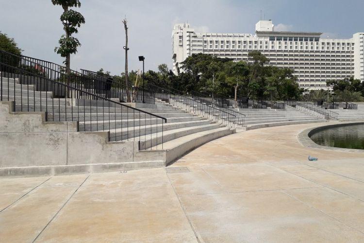 Bangunan amphiteater yang terdapat di kawasan Lapangan Banteng, Senin (2/7/2018).