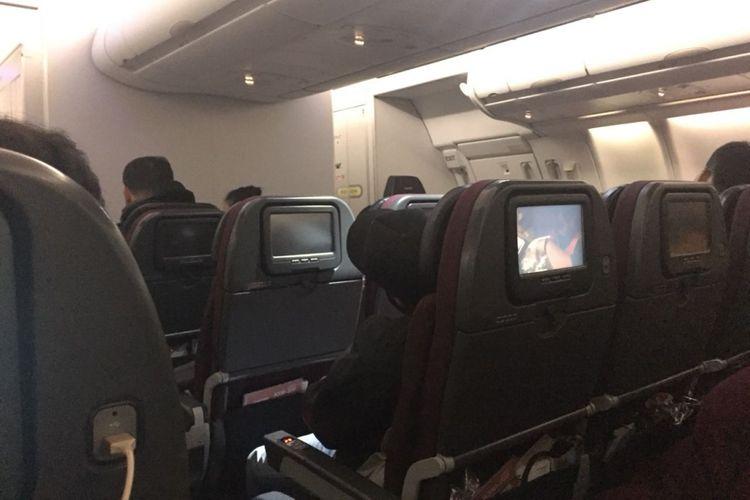 Tempat duduk kelas ekonomi Qantas cukup lebar dan nyaman.