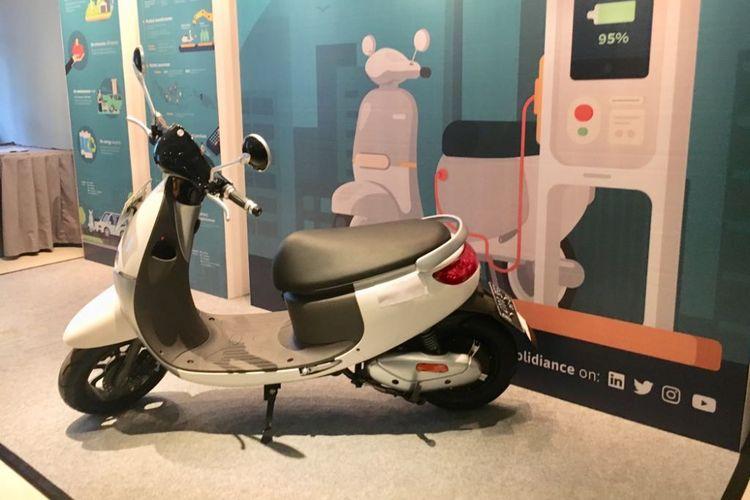 Solidiance gandeng Go-Jek uji coba motor listrik.