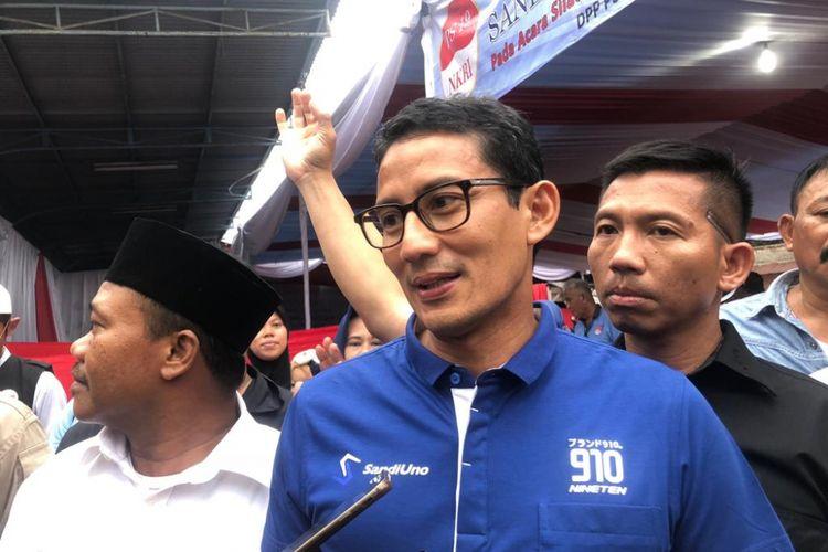 Calon wakil presiden nomor urut 02, Sandiaga Uno, di kawasan Tanjung Barat, Kamis (8/11/2018).