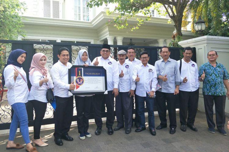 Gerakan Masyarakat Jokowi-Maruf Amin (Gema Jamin) mendeklarasikan dukungan mereka untuk calon presiden dan wakil presiden nomor urut 01 Jokowi-Maruf di kediaman Maruf Amin di Jalan Situbondo, Menteng, Rabu (5/12/2018).