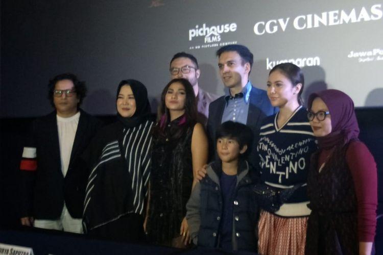Para pemain dan tim produksi film Silam dalam jumpa pers dan screening film Silam di CGV Grand Indonesia, Thamrin Jakarta Pusat, Selasa (4/12/2018).