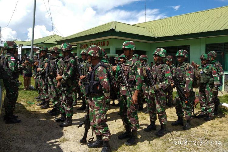 Aparat TNI yang ditugaskan untuk melakukan evakuasi ke Yigi, Papua.