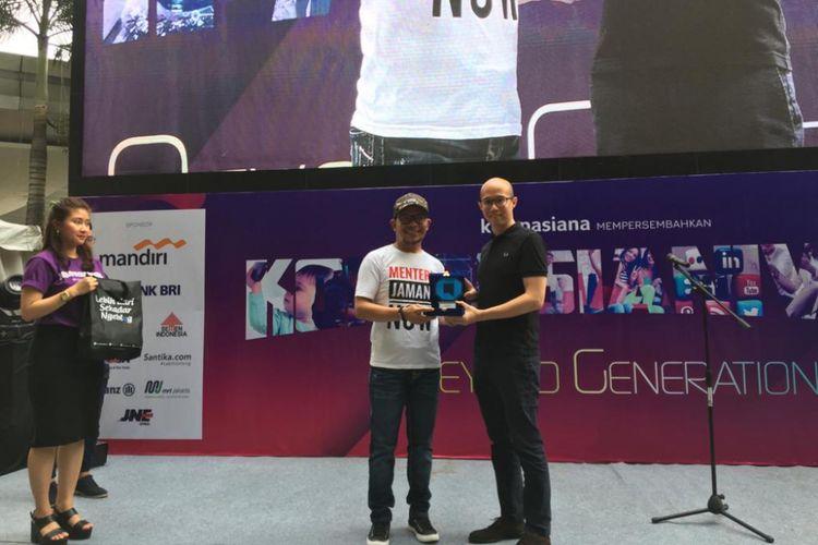 Menteri Ketenagakerjaan Hanif Dhakiri dan CEO KG Media Andy Budiman di Kompasianival