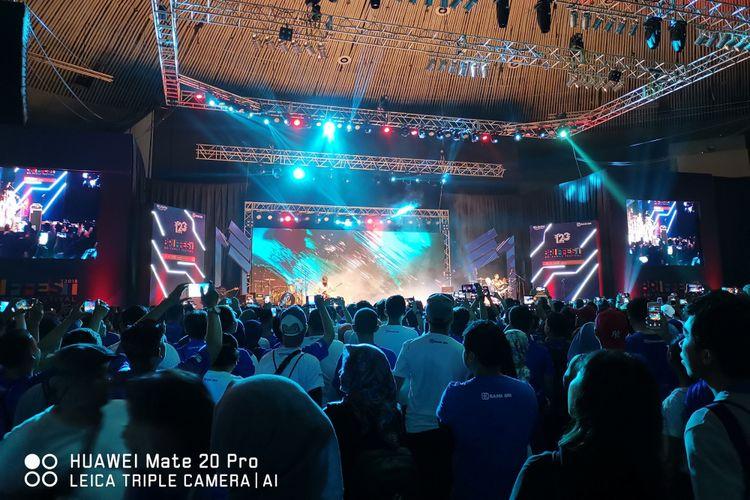 Hasil foto Huawei Mate 20 Pro dengan menggunakan lensa ultra-wide.