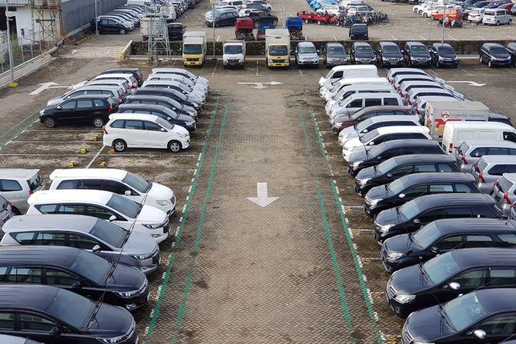 Suasana balai lelang mobil bekas Bidwin. Tercatat pertumbuhan penjualan mobil bekas melalui lelang selama 2018
