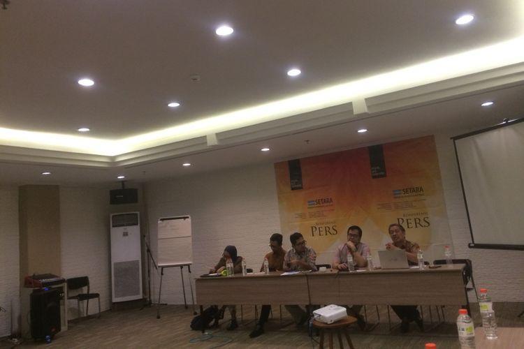 Peneliti SETARA Institute Noryamin Aini saat menyampaikan hasil riset dengan tema, ?Penguatan Peran APIP Dalam Mencegah dan Melawan Radikalisme di Internal Institusi Pemerintah? di Hotel Ibis, Jakarta Pusat, Rabu (23/1/2019).