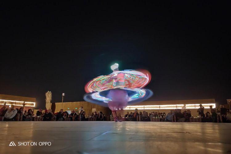 Pertunjukan tradisional khas Timur Tengah.