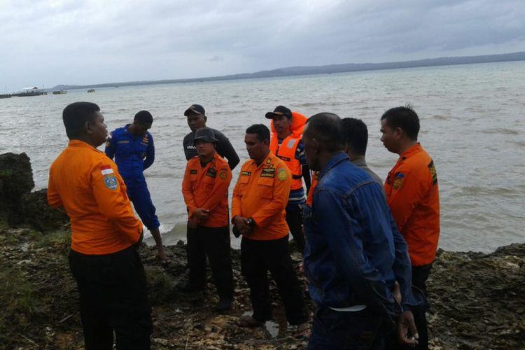 Tim SAR di Maluku Tenggara Barat menghentikan pencarian terhadap seorang nelayan yang hilang di laut tersebut karena cuaca buruk, Kamis (31/1/2019). Tim Sar berencana akan melanjutkan pencarian pada Jumat besok