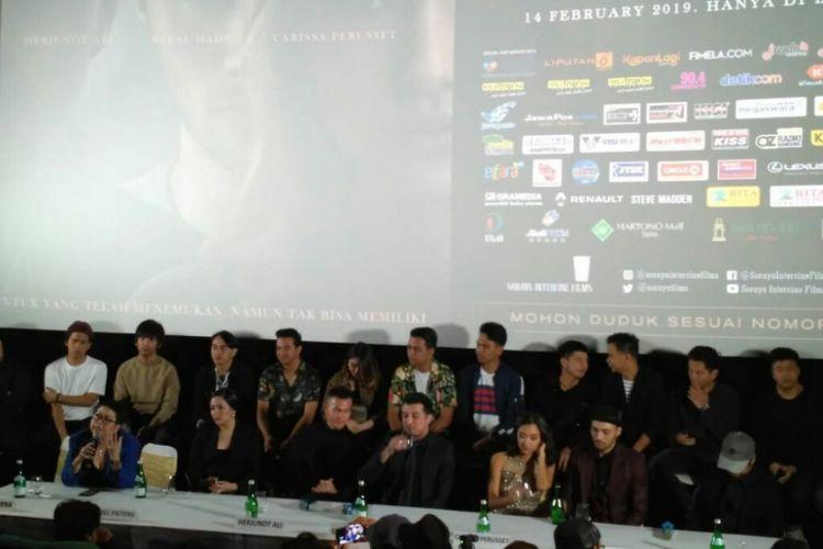 Jumpa pers film Antologi Rasa di Plaza Senayan, Jakarta Pusat, Sabtu (9/2/2019). Terlihat di dalamnya, para pemain, sutradara dan produser Antologi Rasa, serta para personel Nidji, Geisha dan DMASIV.