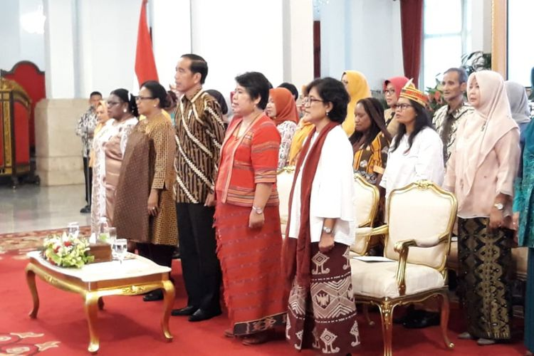 Presiden Joko Widodo saat bersilaturahim dengan 500-an aktivis perempuan arus bawah di Istana Negara Jakarta, Rabu (6/3/2019).