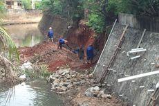 Hujan Deras, Dinding Turap di Cilandak Barat Longsor