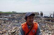 Abdul, Petugas Pembersih Lautan Sampah yang Tanamkan Budaya Bersih ke Anak-anaknya