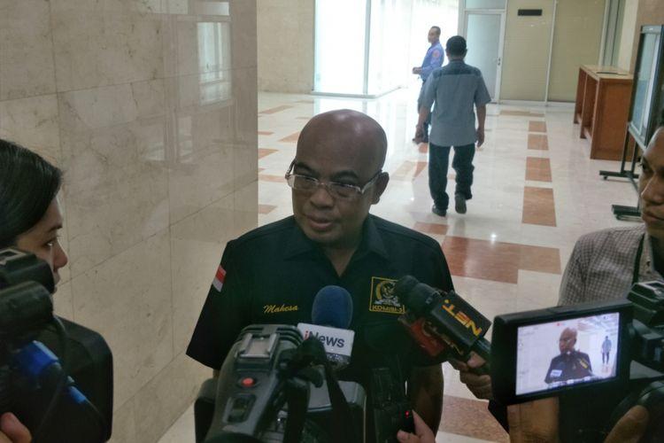 Wakil Ketua Komisi III dari Fraksi Gerindra Desmond Junaidi Mahesa saat ditemui di gedung Nusantara II, Kompleks Parlemen, Jakarta, Senin (12/2/2018).