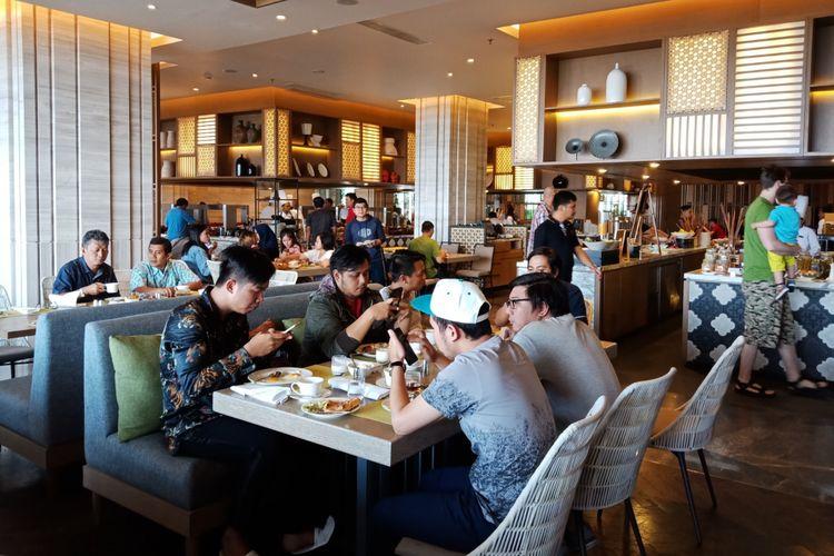 Yogyakarta Resto di yang menyajikan berbagai masakan tradisional Indonesia juga hidangan modern dari beberapa negara, di Yogyakarta Marriott Hotel, Jumat (9/2/2018).