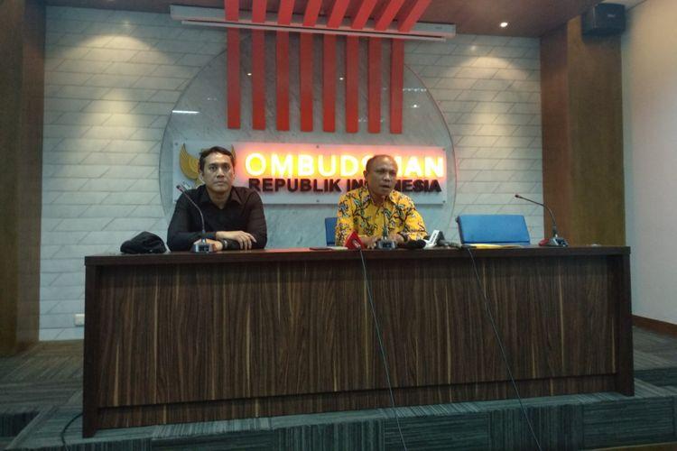 Plt Kepala Perwakilan ORI Jakarta Raya Dominikus Dalu memberikan permyataan kepada media, Selasa (3/4/2018)