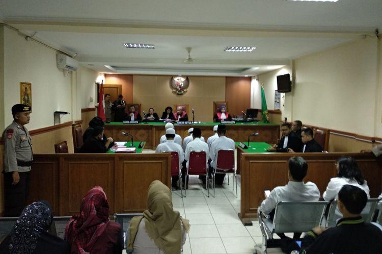 Suasana ruang sidang Pengadilan negeri Bekasi dalam pembacaan vonis pembakaran Zoya, Kamis (3/5/2018)