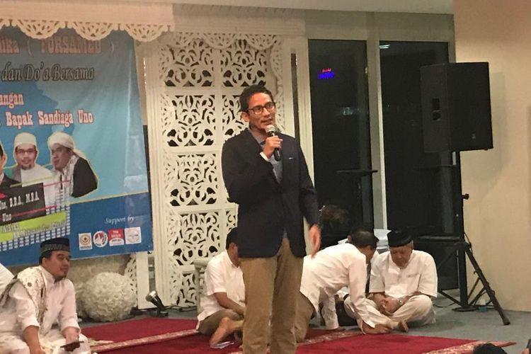 Calon wakil presiden nomor urut 02, Sandiaga Uno, saat acara silaturahmi dengan relawan FORSAMED, di 18 Office Park, Pasar Minggu, Jakarta Selatan, Minggu (27/4/2019).