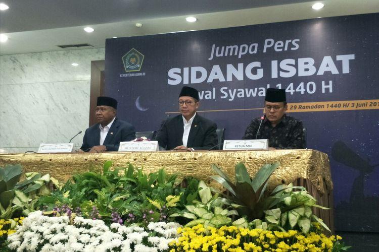 Menteri Agama Lukman Hakim Saifuddin menyampaikan hasil sidang isbat penetapan 1 Syawal 1440 H di Kemenag, Jalan M.H Thamrin, Senin (3/6/2019).
