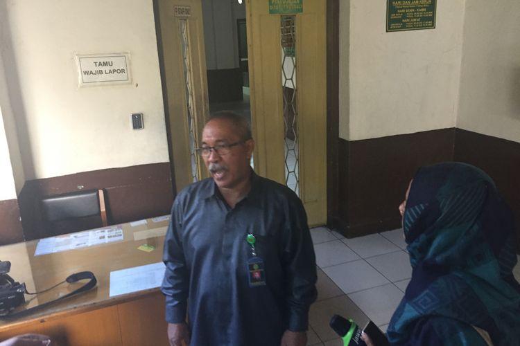 Humas PN Jakarta Utara Jootje Sampaleng mengatakan pihaknya telah menunjuk tiga majelis hakim untuk menangani gugatan perceraian mantan Gubernur DKI Jakarta Basuki Tjahaja Purnama alias Ahok dengan istrinya, Veronica Tan, Rabu (10/1/2018).